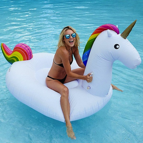 We Found 12 Of The Cutest Pool Floats For Summer Fabfitfun