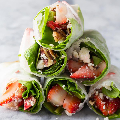 Strawberry-Spinach-Salad-Rolls-7-600x900