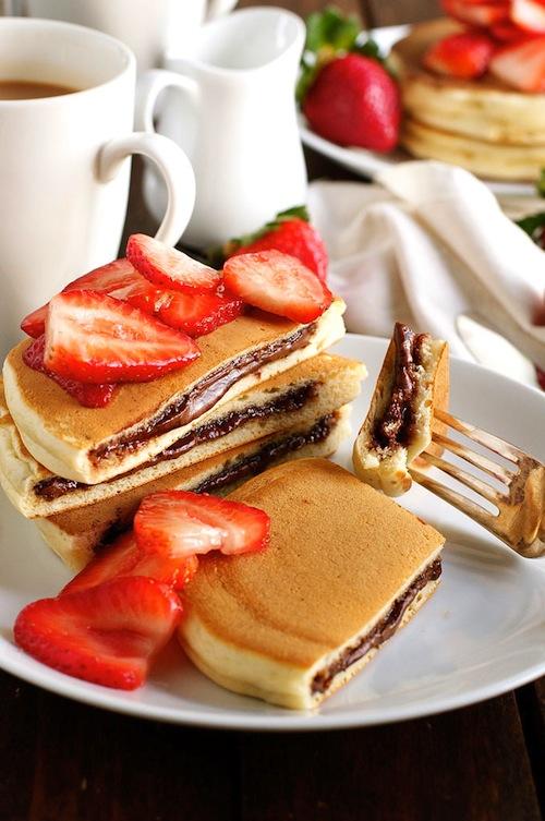 Nutella-Stuffed-Pancakes_680px_2