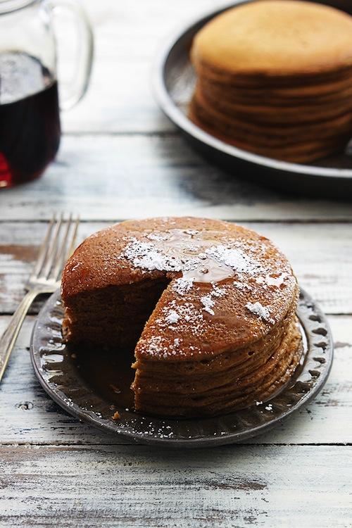 gingerbread-pancakes-14