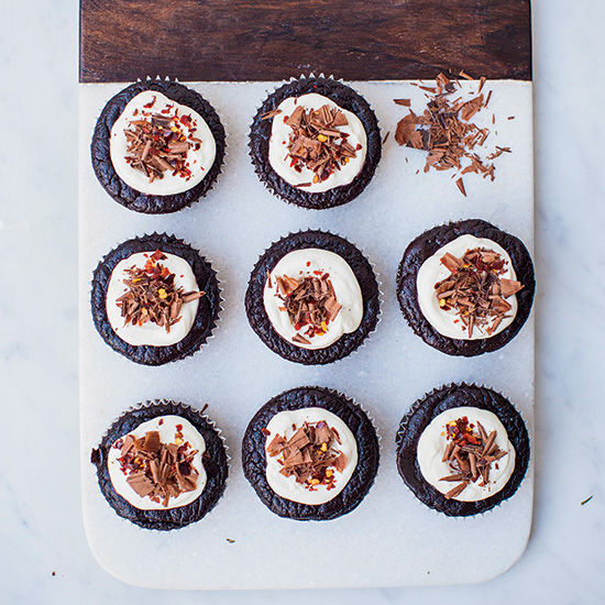 HD-201502-r-gluten-free-chocolate-chile-cakes