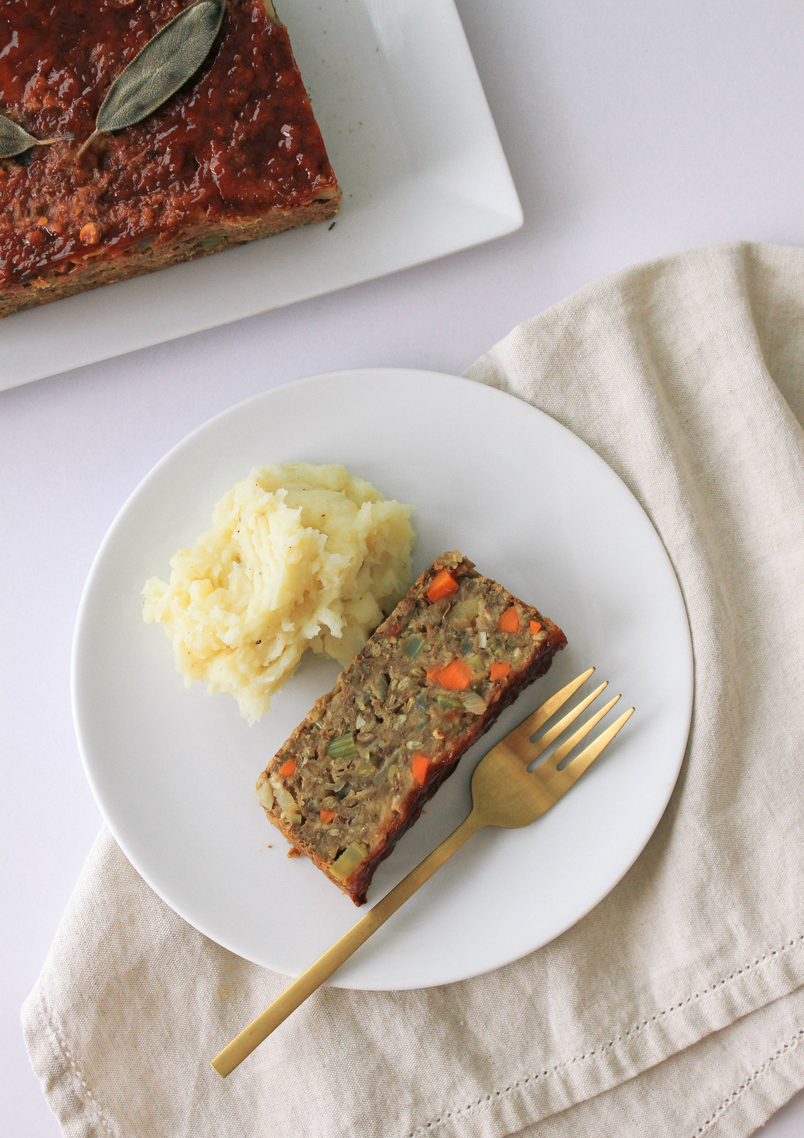 apple-fennel-sage-lentil-loaf