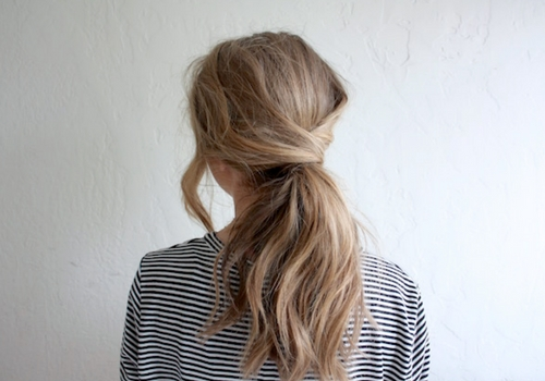 Easy holiday hairstyles you can do yourself fabfitfun if you resort to a regular ponytail look just about every day its time to change it up a little this look is not only simple to do solutioingenieria Gallery