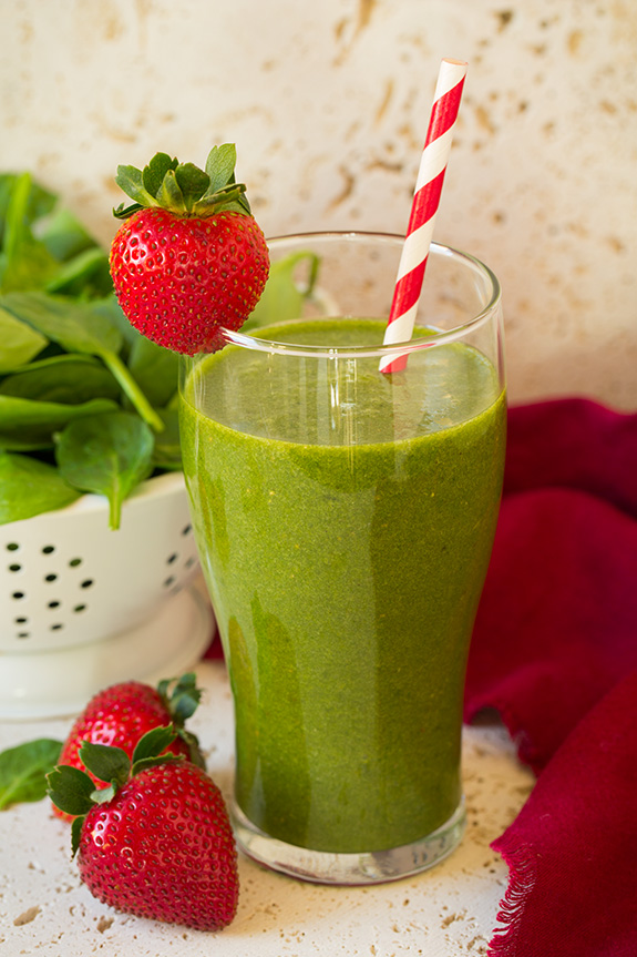 strawberry_spinach_green_smoothie.