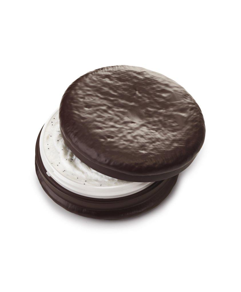 Saem-Chocopie-Hand-Cream-Cookies-Cream