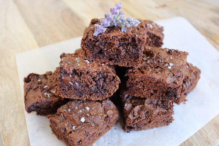 JSHealth-Nut-Butter-Sea-Salt-Brownies-768x510