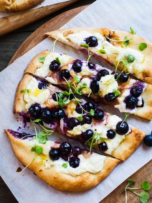 Blueberry, Feta and Honey-Caramelized Onion Naan Pizza | www.kitchenconfidante.com