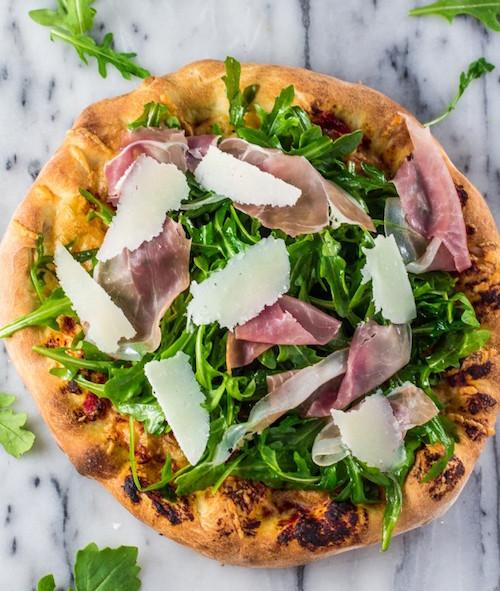 arugula-prosciutto-pizza-2-683x1024