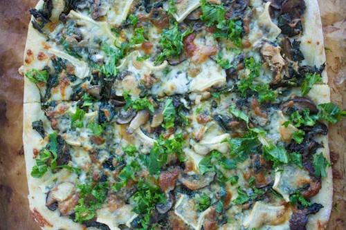 Kale-Mushroom-Brie-Pizza-7-e1425344670390