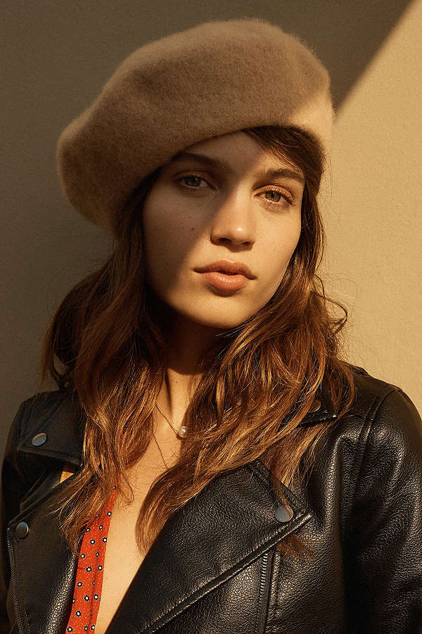 ced241c76ce7c ... style in order to keep your head cozy during the winter. From a chic  beret to a newsboy cap