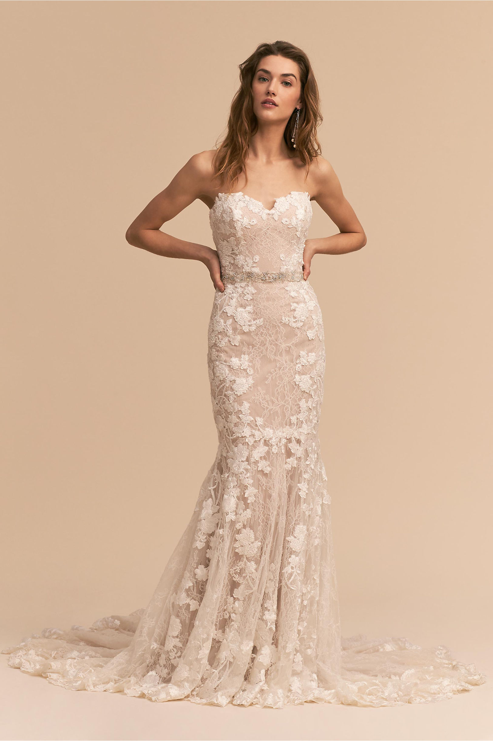 These bridal gowns are perfect for a spring wedding for Summer style wedding dresses